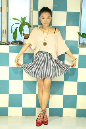 blue cotton on skirt - red maud frizon shoes - pink H&M t-shirt