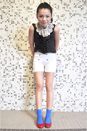 red maud frizon shoes - white Zara shorts - black H&M blouse - red Swatch access