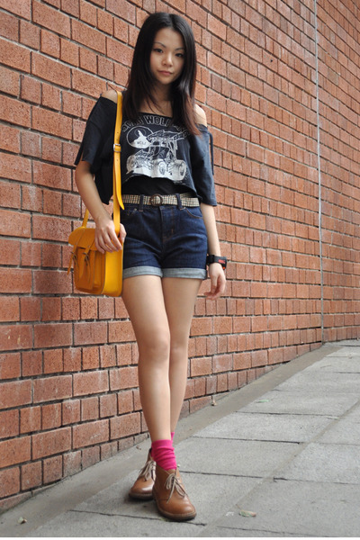 pink ice fire socks - brown Clarks shoes - blue high waist BDG jeans