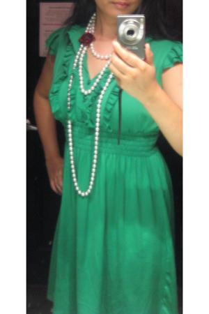 dress - necklace