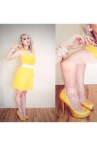 gold Forever 21 ring - yellow Sugarlips dress - gold Forever21 bracelet