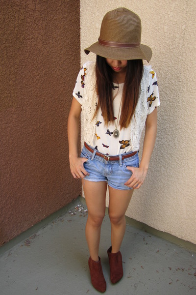 suede H&M top - floppy hat Forever21 hat - shirt