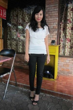 white lace Mode-5 blouse - black Zara jeans