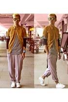 short sleeve CC Kansai shirt - Yves Identify sweatshirt - tinted Oakley glasses