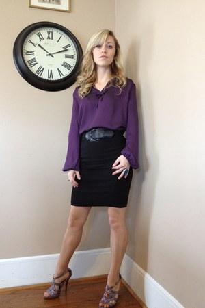 purple polyester New York & Comapny blouse - black skull Betsey Johnson purse