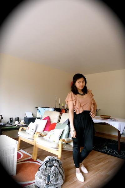 oxfords H&M shoes - faux fur travel Zara bag - black GINA TRICOT pants - black g