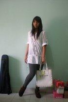 shirt - leggings - Louis Vuitton - galdy boots