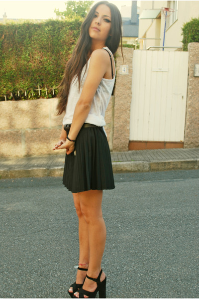 black Zara skirt - white H&M t-shirt - Ebay sandals