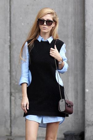 black top - light blue shirt - crimson bag - white sneakers