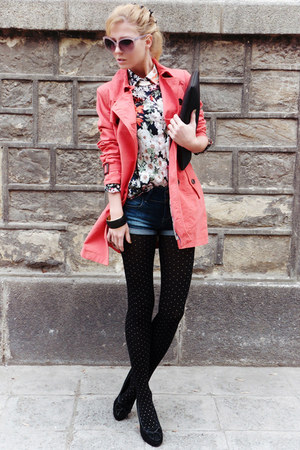 salmon coat - ivory shirt - black tights - black bag - navy shorts - black pumps
