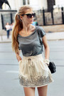 Black-bag-charcoal-gray-t-shirt-ivory-skirt-black-flats