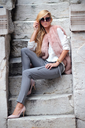 light pink vest - white shirt - light pink heels - gray Choies pants