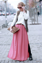 salmon skirt - black boots - white sweater - bronze bag - light brown vest