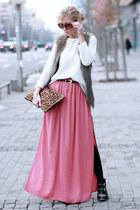 salmon skirt - black boots - white sweater - bronze bag - light brown vest