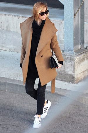 light brown romwe coat - black zaful sweater