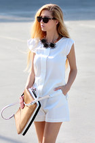 white sammydress shorts - camel bag - dark brown Spektre sunglasses