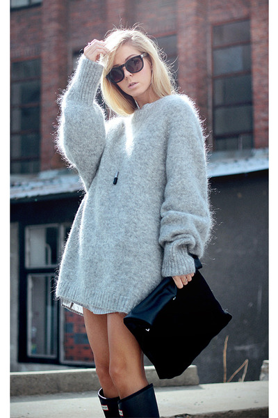 Heather Gray Sweaters, Black Rubber Boots Hunter Boots, Black ...