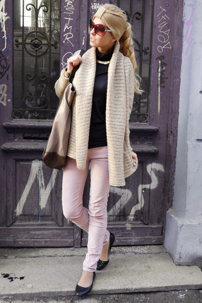 tan cardigan - tan bag - light pink pants - black flats - black blouse