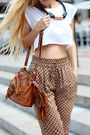 Brown-pants-dark-brown-bag-ivory-t-shirt