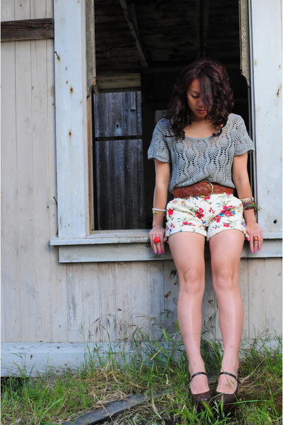 grey crochet top - brown belt - floral shorts - BCBG maryjane wedges - from momm