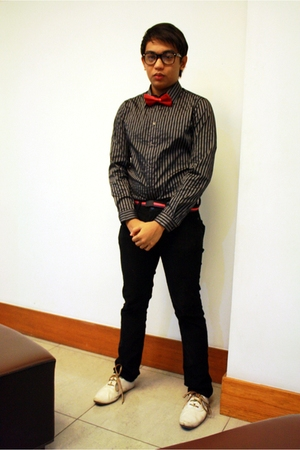 black H&M top - black Ray Ban glasses - red Tied Up tie - red CELIO belt - white