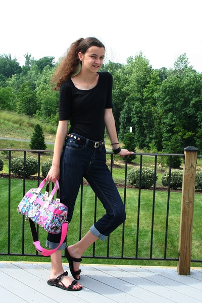 dbba71c5cde2 capris Target jeans - scoop neck Target shirt - tote tokidoki bag - nike  sandals