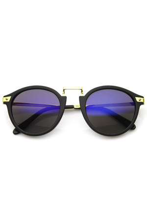 black zeroUV sunglasses