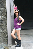 My daughters accessories - UO top - Zara shorts - Ebay boots - rayban sunglasses