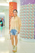 nude DAS wedges - light blue random from Hong Kong shorts - nude WAGW blouse