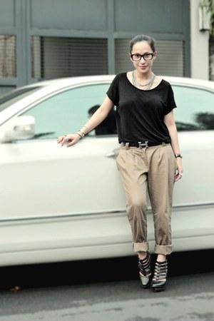 black Mango top - light brown random from Hong Kong pants - black Soule Phenomen