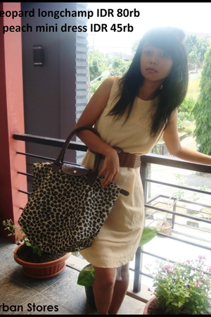 beige unknown brand dress - brown longchamp accessories