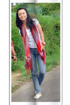 red handmade scarf
