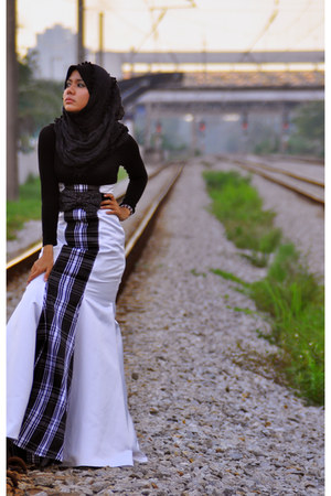 checkered arefen zaidin dress