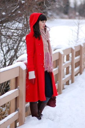 red thrifted Place de la Mode Sears coat - crimson leather etienne aigner bag