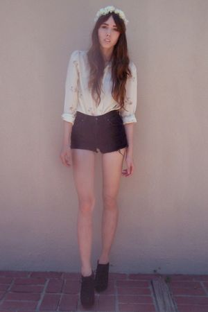 white zozocouture accessories - white vintage blouse - black Levis shorts - blac