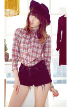 black bear cat LA hat - black Levis shorts - brick red bear cat LA blouse