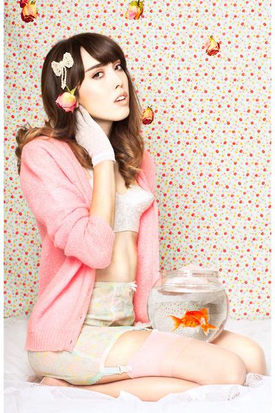 white cone bra vintage bra - bubble gum vintage cardigan