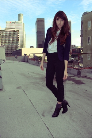 black pants - blue Los angeles School coat - blue blouse - gray Forever 21 socks