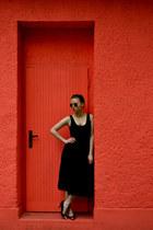 black Dorothy Perkins skirt