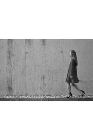 black Zara heels