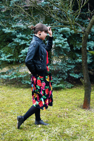 gray Bata shoes - black faux leather no brand jacket - red Cameuie shirt - flowe