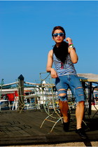 black scarf - blue diy Guess shorts - blue sunglasses - white relic watch